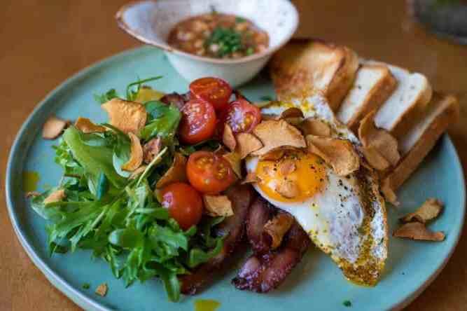 quick and easy dinner ideas, simple dinner ideas, huevos rancheros for a quick dinner idea