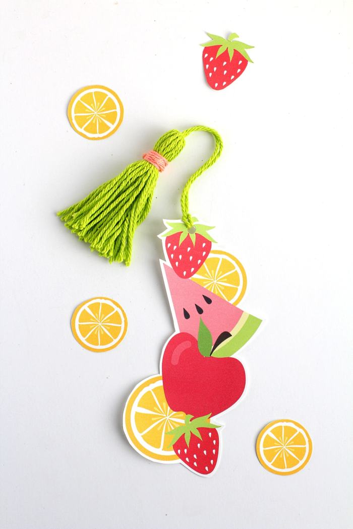DIY printable fruit bookmark with tassel | Free printable bookmark template