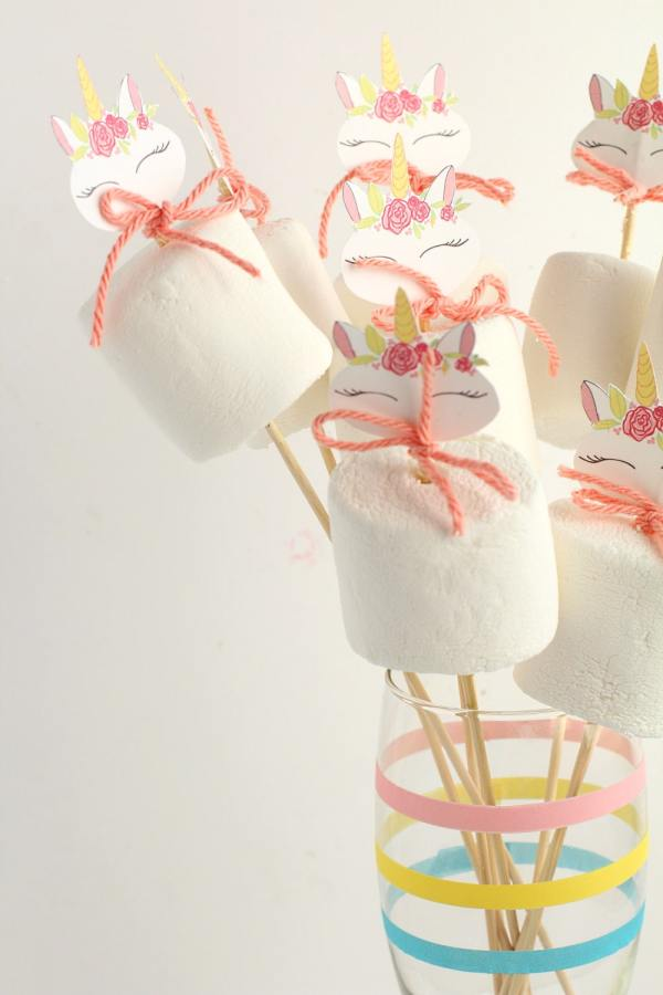 unicorn marshmallow pops for a unicorn birthday party idea