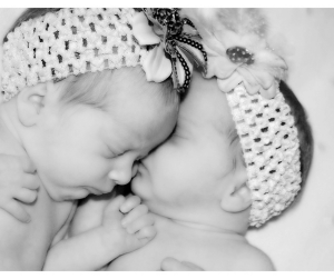 End the 45 minute intruder for your twins! Help your twins get quality nap time. Tips from a fellow twin mom. #twins #nap #sleep #45 #minute #intruder #babywise #wake #Schedule #troubleshoot Team-Cartwright.com