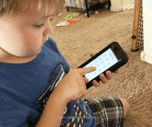 How to teach your child to call 911 in the cell phone age. A lot of homes don't have landlines. So how do you teach your child to reach out in an emergency? This is an easy and fun activity that engages kids as they learn about safety. #emergency #kids #911 #cell #phone #safety #plan #preschool #toddler Team-Cartwright.com