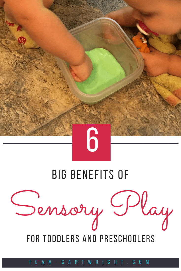 Sensory play isn't just a trend. It has real benefits for kids. Here are 6 was sensory play builds brains. Plus learn easy activities you can do right now! #sensory #play #benefits #learning #activity #toddlers #preschoolers #kids Team-Cartwright.com