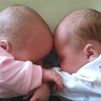How To Sleep Train Twins in the Same Room