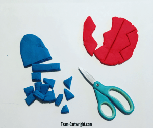 Worried about giving your child sharp scissors? Try using play doh! Cut safely and work important skills. #ScissorSkills #CuttingPractice #PlayDoh Team-Cartwright.com