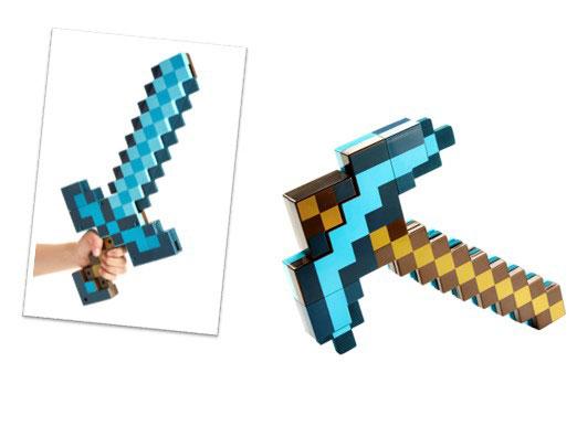 『マインクラフト 変形武器「ダイヤの剣/ツルハシ」』ダイヤの剣は、簡単にツルハシに変形させることが可能。