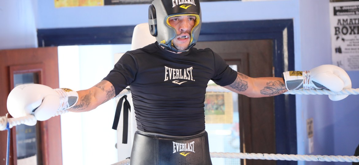 LEE SELBY SIGNS NEW DEAL TO JOIN #TEAMEVERLAST
