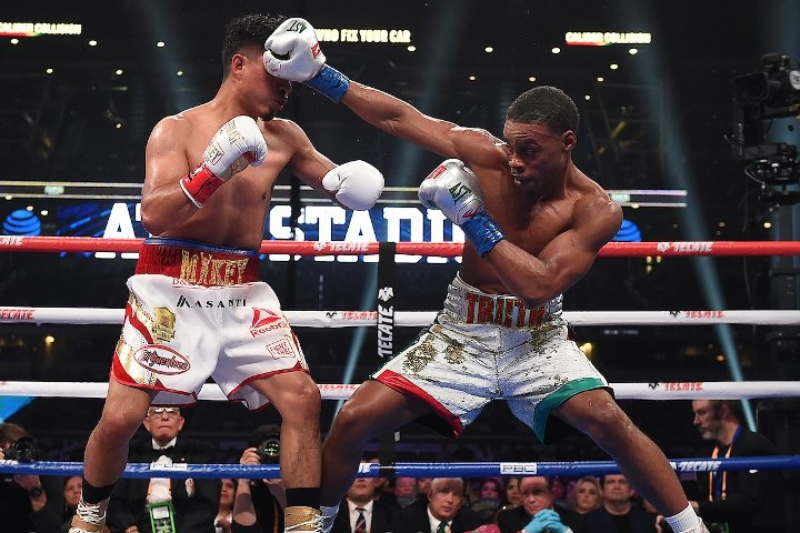 Errol Spence Neutralizes Undersized, Overambitious Mikey Garcia
