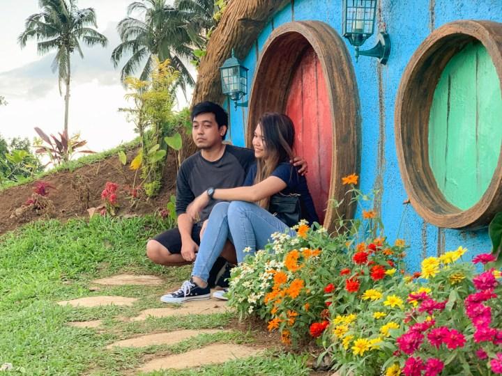 batis aramin garden couple, batis aramin blog, quezon travel guide, hobbit house