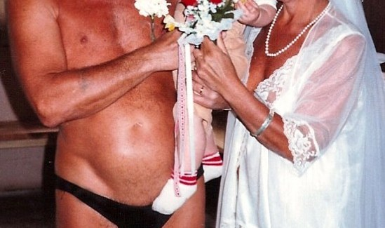 the worst wedding photography, awful and funny for nudists