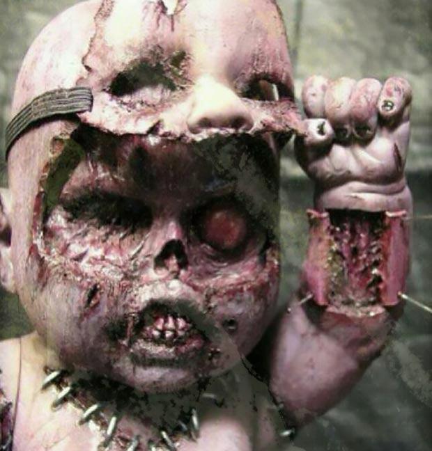 scariest doll murderer ~ old creepy photos