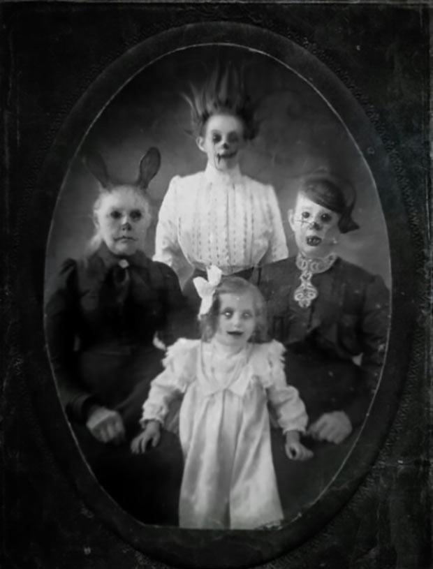 scary family portrait ~ old creepy photos