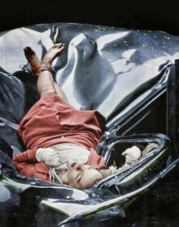 """Morbidly called """"The Most Beautiful Suicide, Evelyn McHale jumped to her death from the Empire State Building in 1947. Color."""