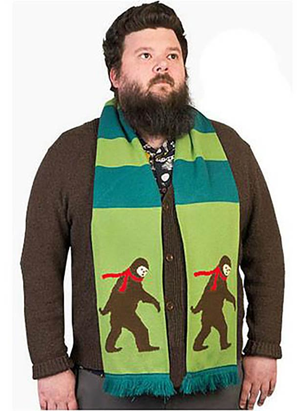20 Hilarious Christmas Gifts for under $20 – Bigfoot Scarf