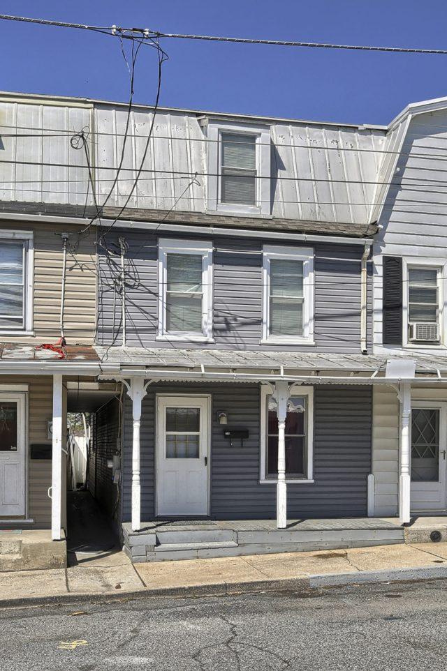 Home for Sale by Team Longenecker
