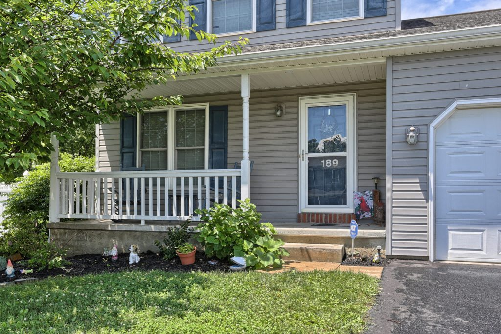 189 Twin Creeks Dr - Front 3