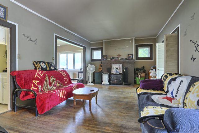 195 Walnut Street - Living Room