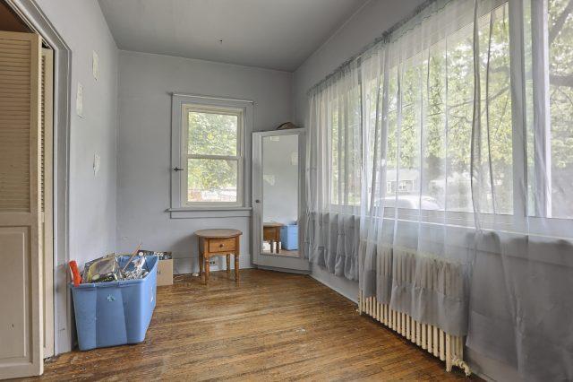 195 Walnut Street - Front Room
