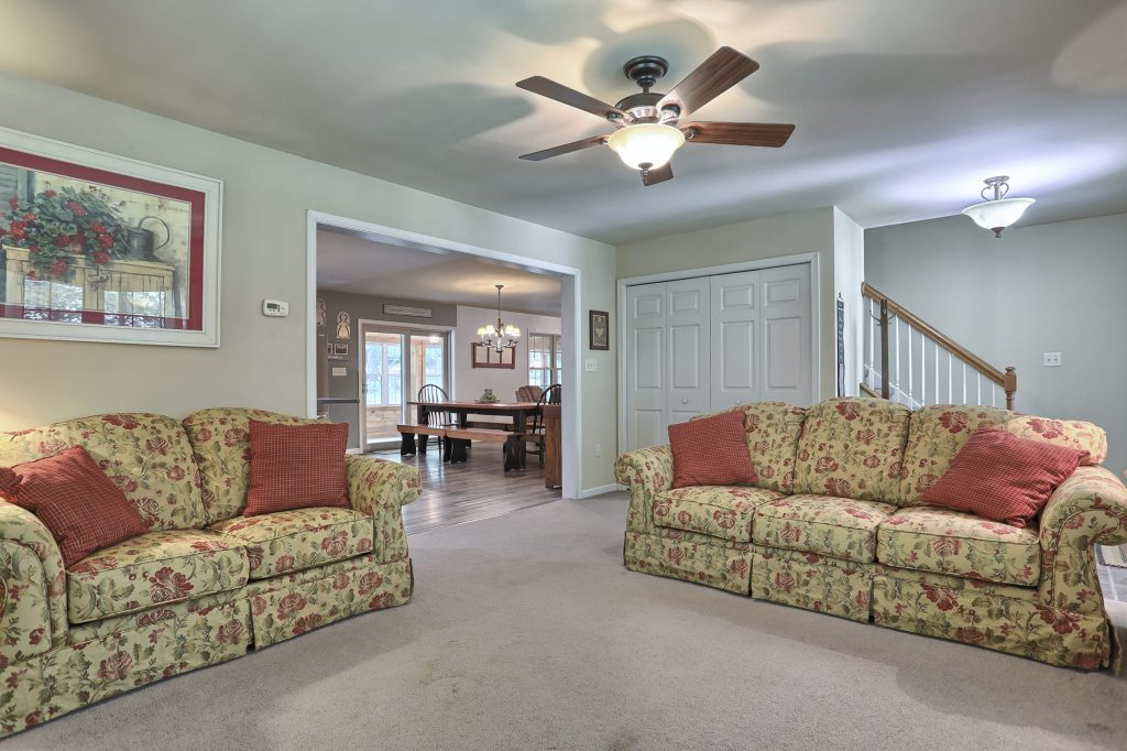 204 Black Oak Road - Living room 3