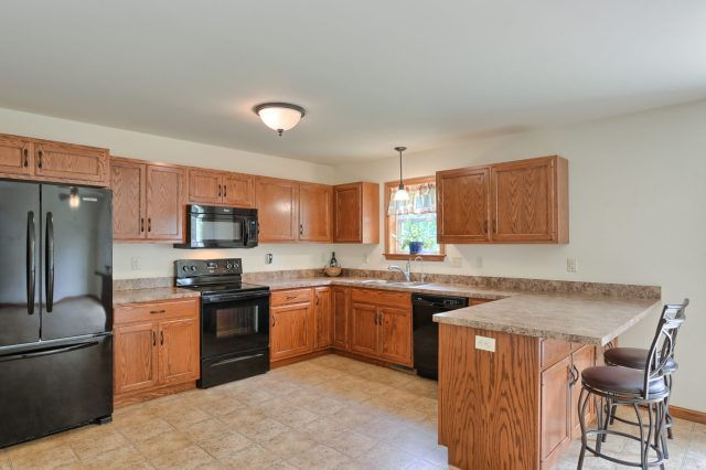 77 Gable Drive - Kitchen 4