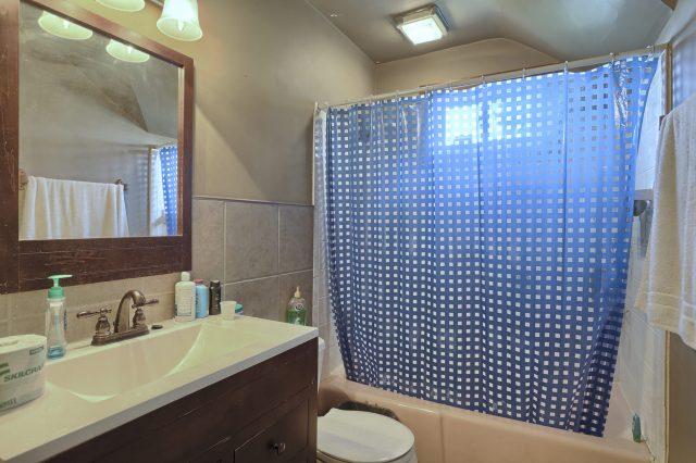 195 Walnut Street - Bathroom