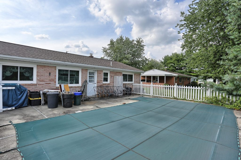 1434 Jody Ave - Pool 2