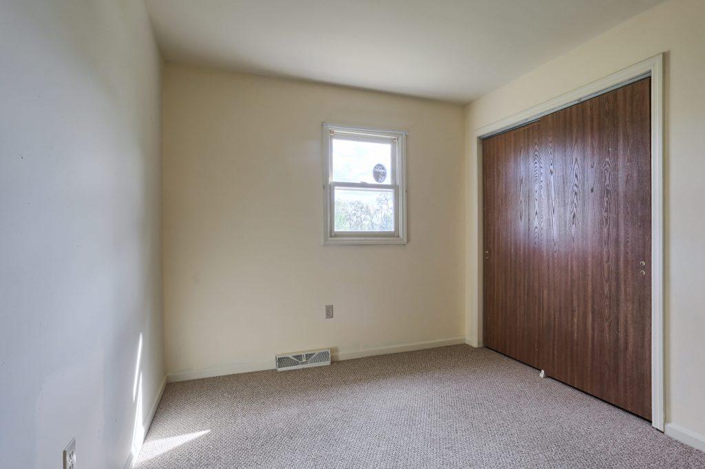2160 Walnut St - Bedroom 1