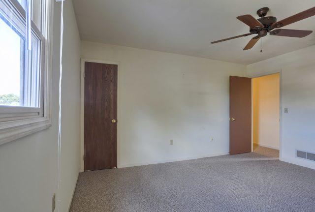 2160 Walnut St - Bedroom 3 Side