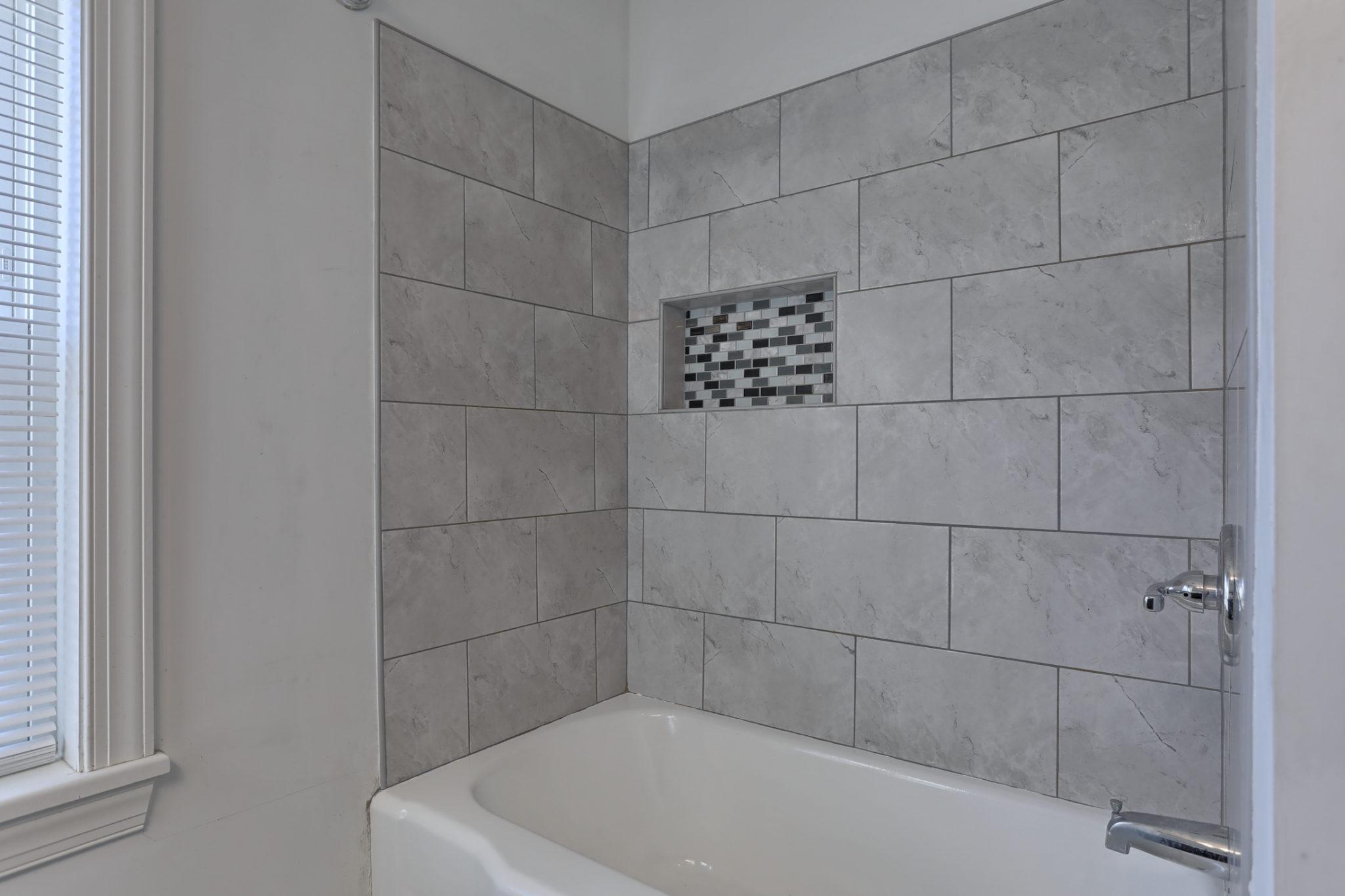 12 E. Center Ave. - Bathroom 2