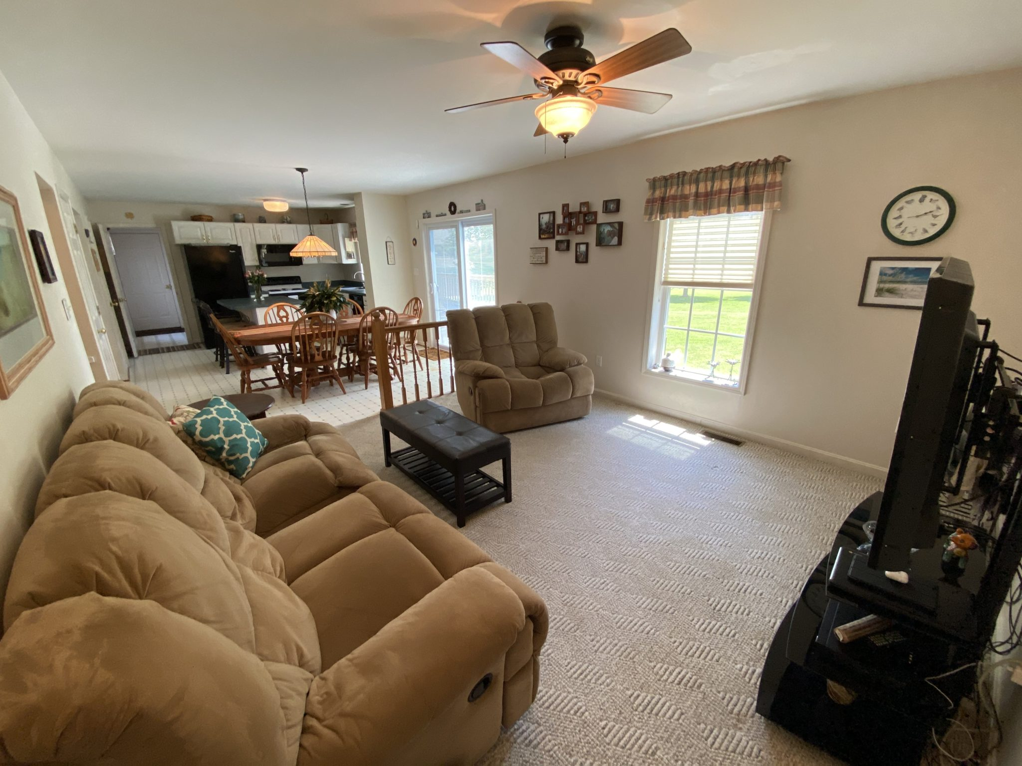 22 Norma Ln - Family Room 1