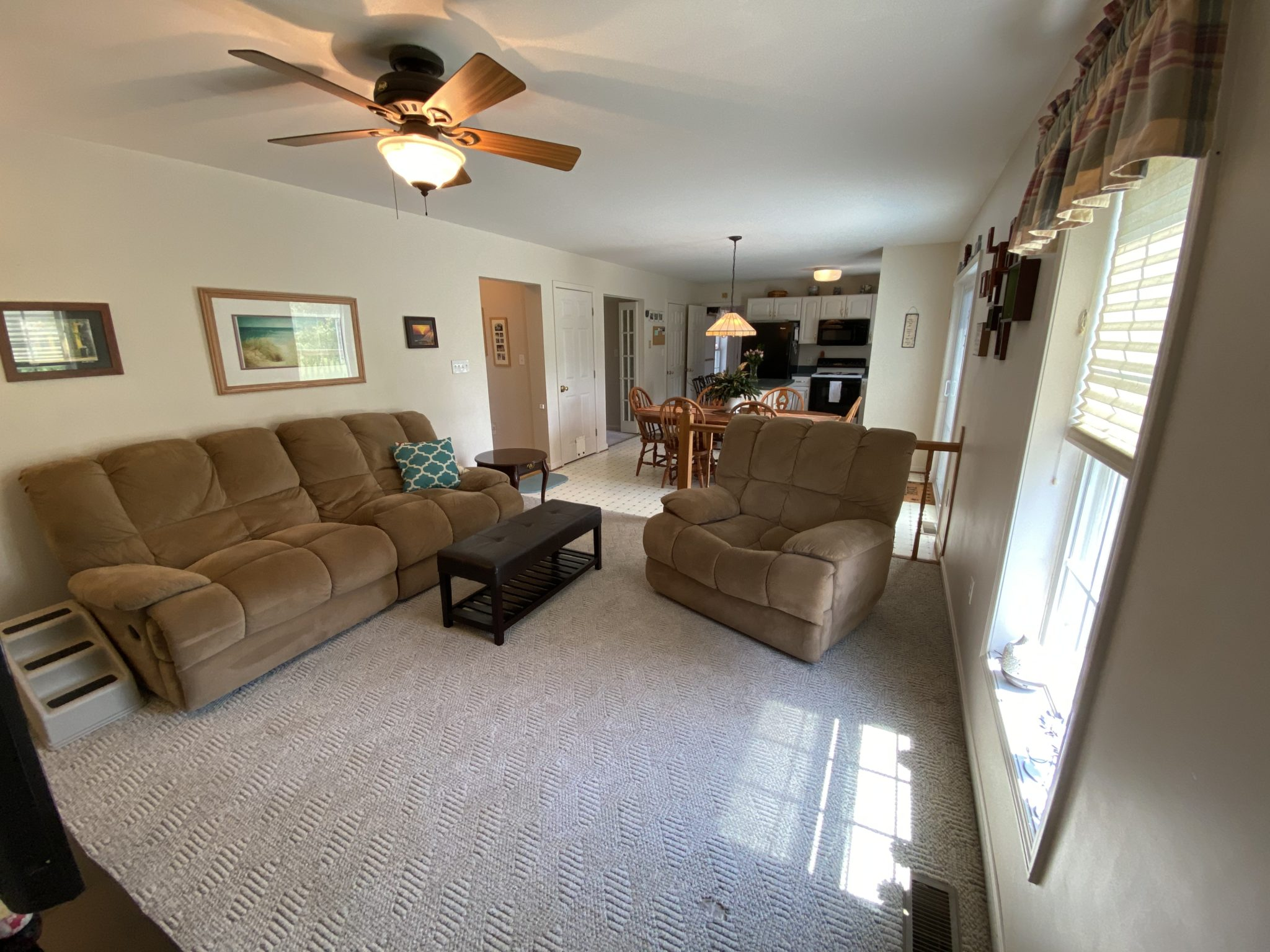 22 Norma Ln - Family Room 2