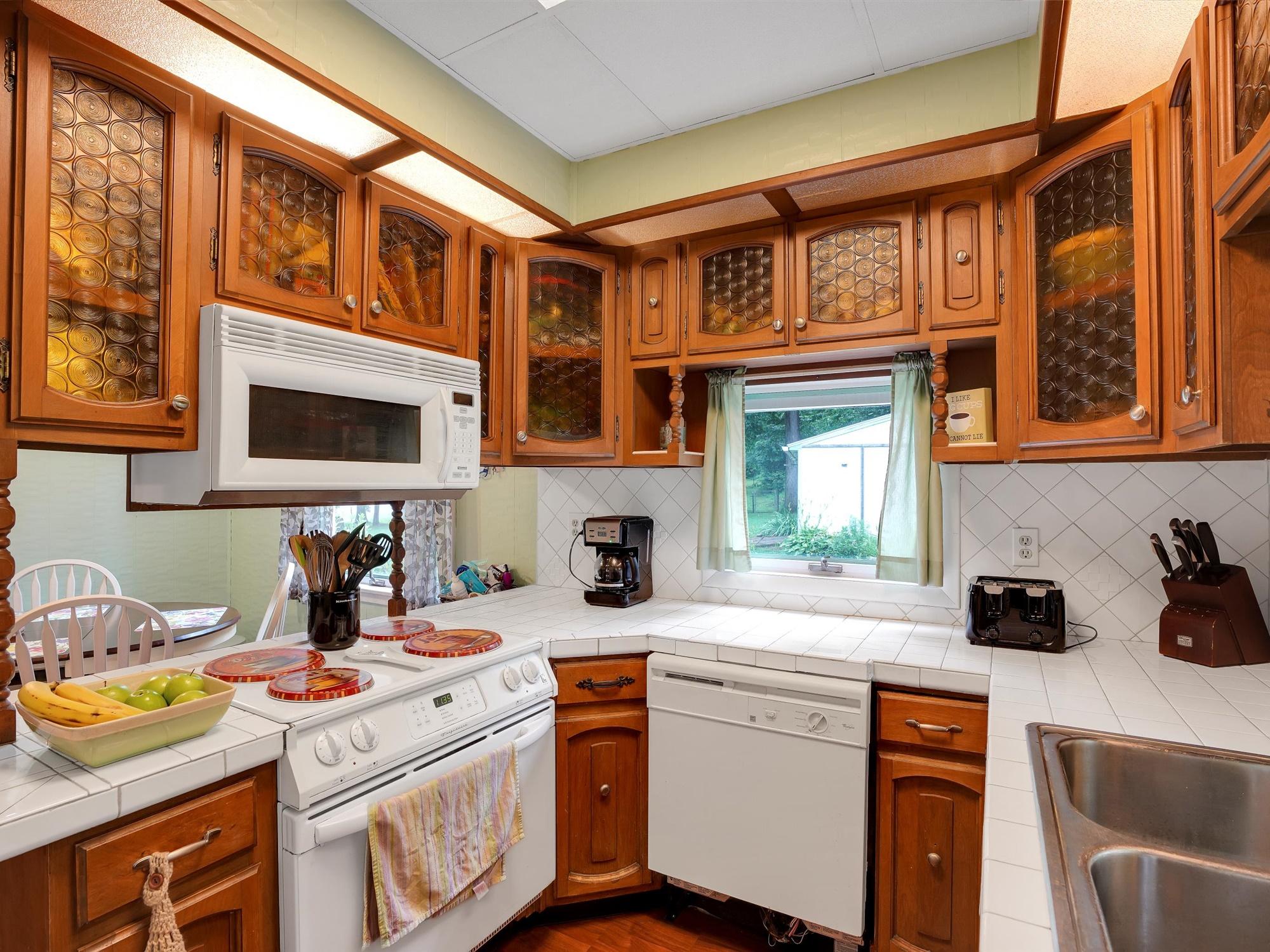 850 Prescott Dr. - Kitchen 3