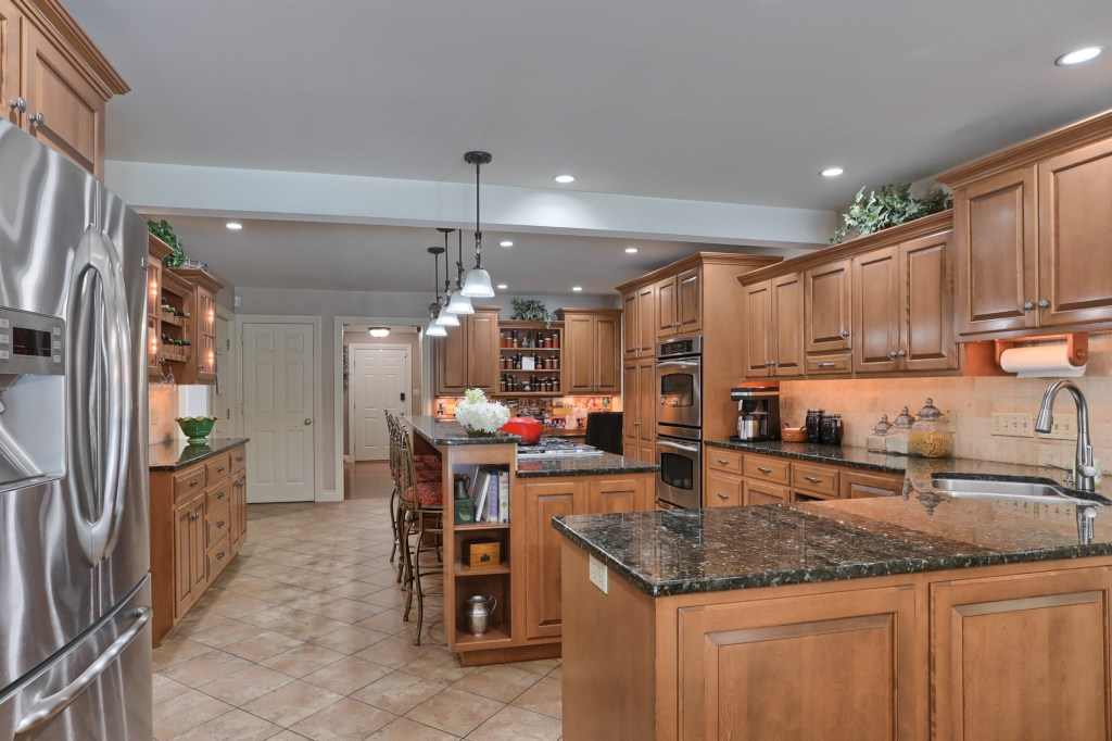 233 Troon Way - Kitchen 4
