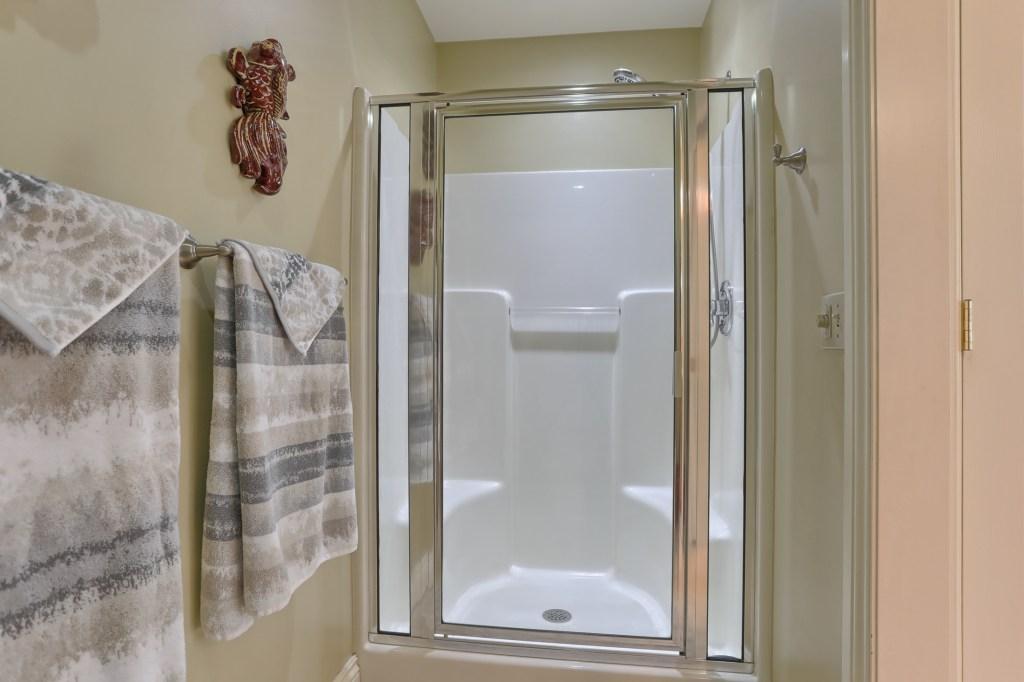 233 Troon Way - Master Bathroom Shower