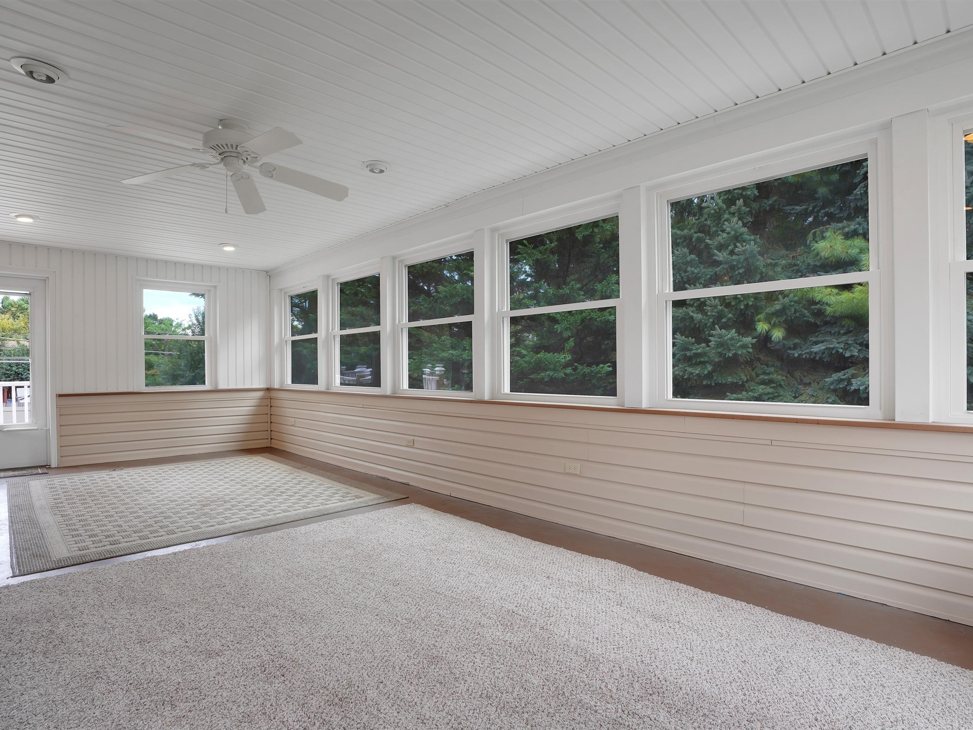 2022 Kline St - enclosed porch