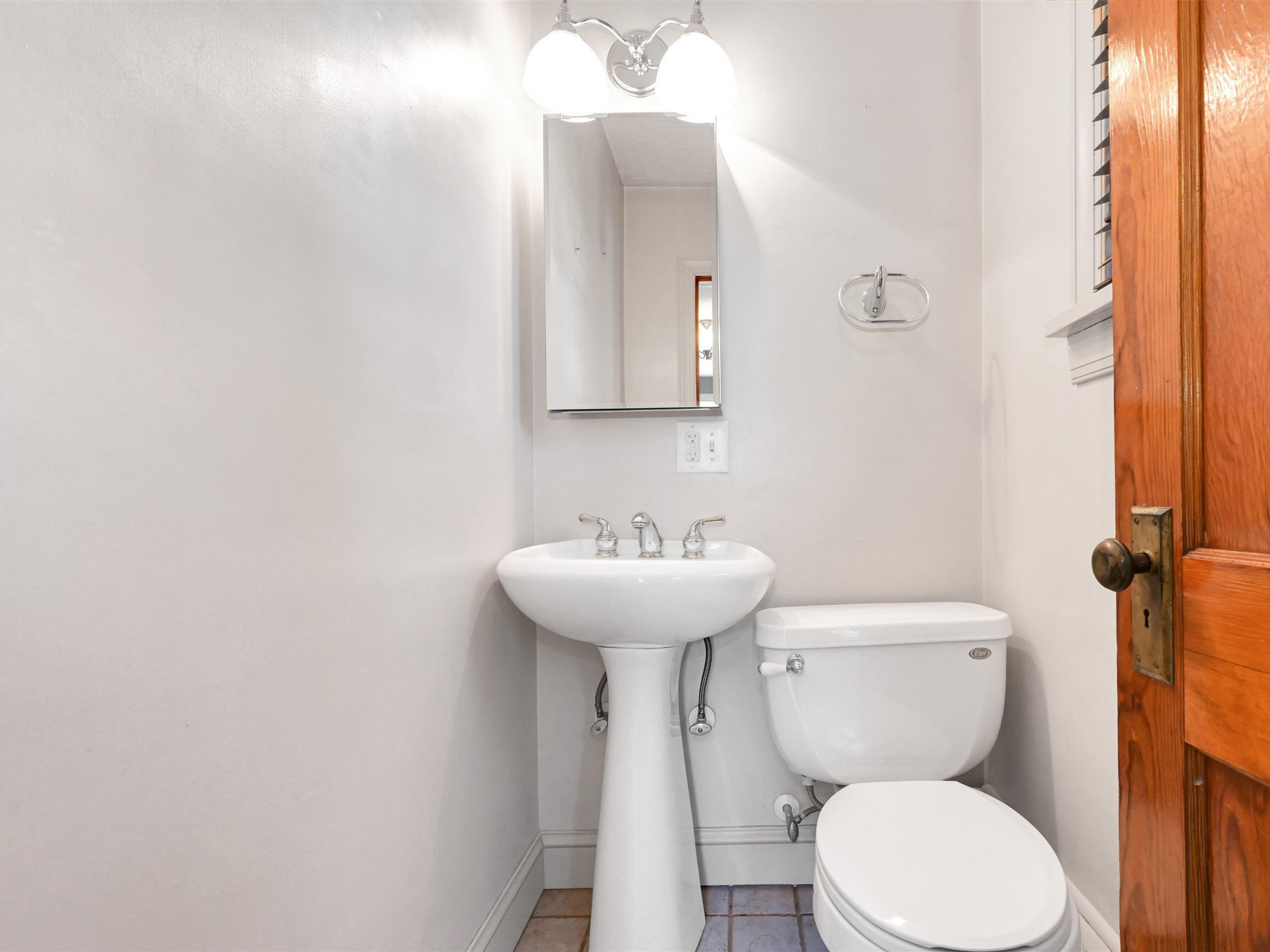 111 Pine Street - Powder Room