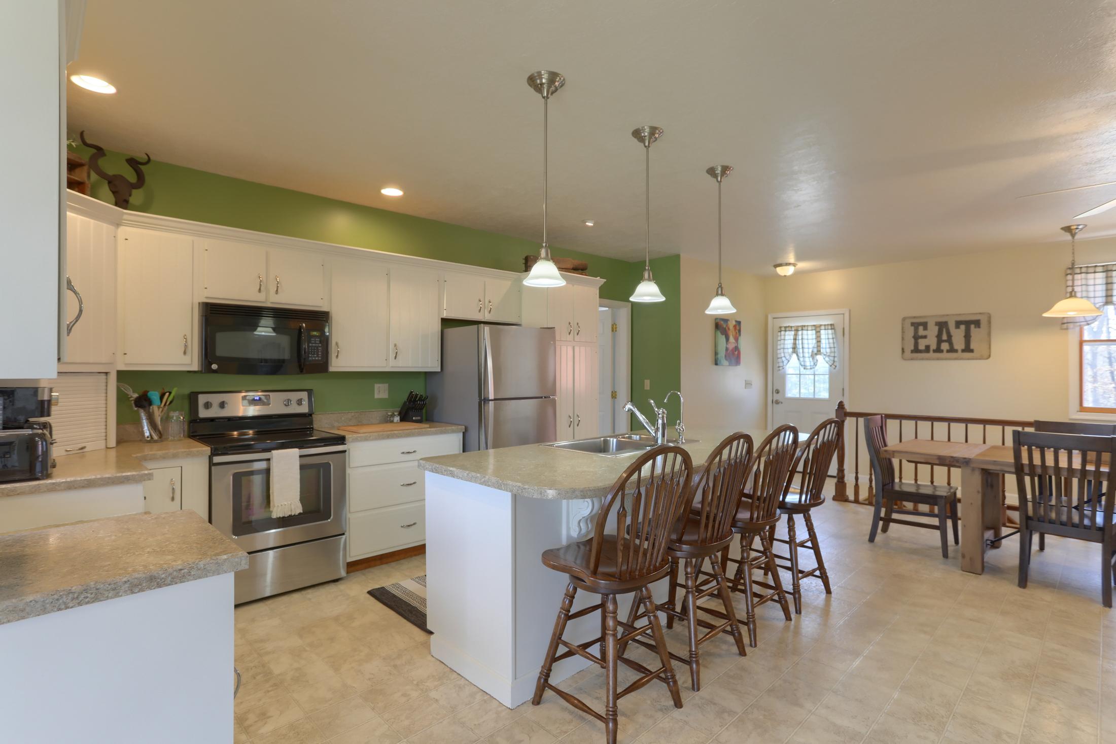 285 Strack Drive - Kitchen