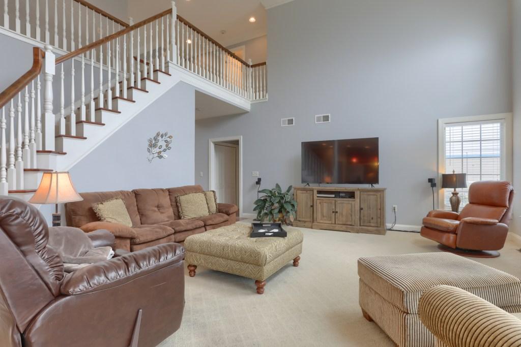 2000 mallard lane - spacious cedar crest home has living with view of 2nd floor