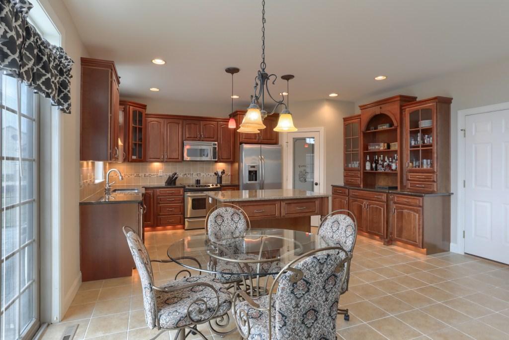 2000 Mallard Lane - spacious cedar crest home with great kitchen