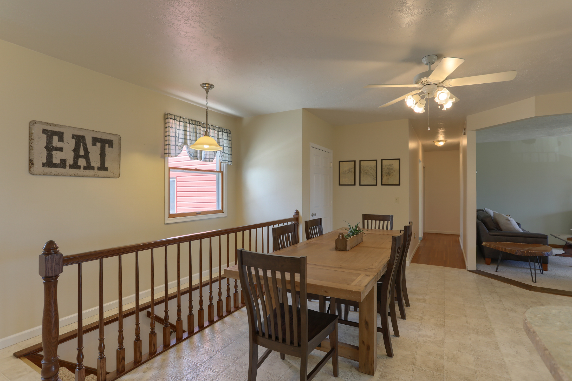 285 Strack Drive - dining area
