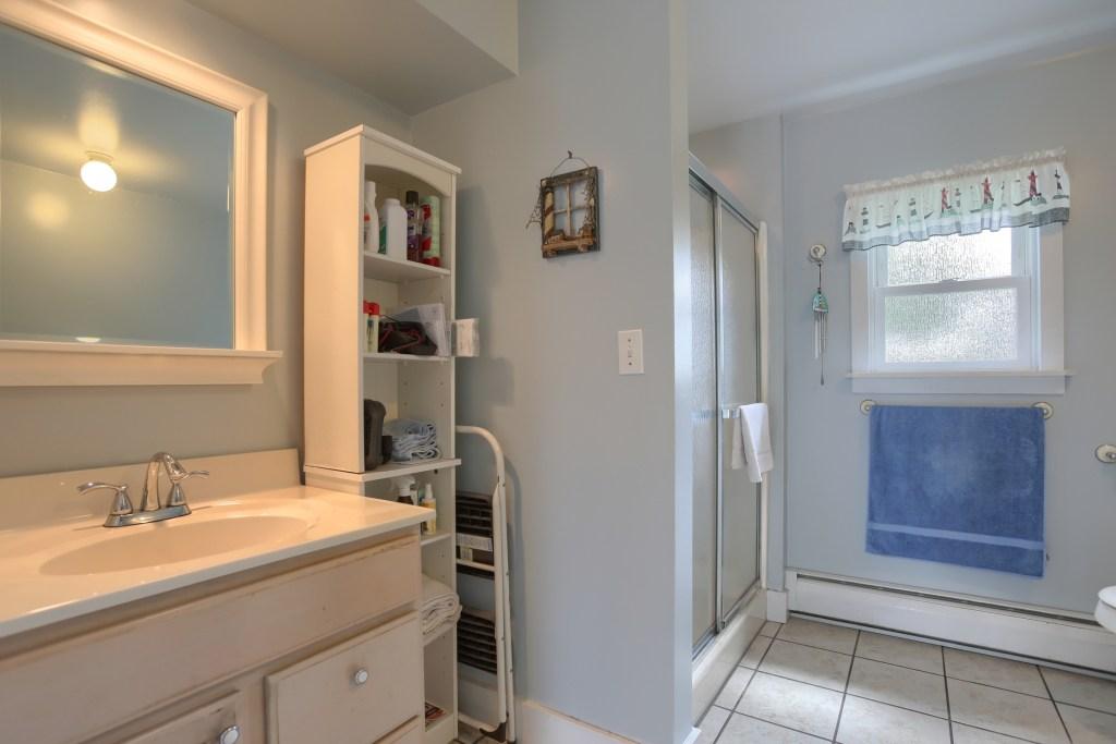 17 E. HIll Street - 1st floor full bathroom