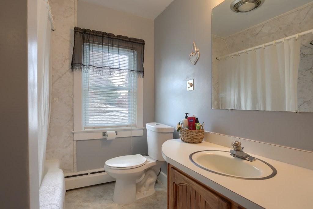 17 E. Hill Street- 2nd floor bathroom