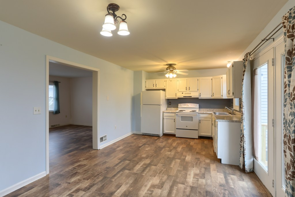 2158 Walnut Street - first floor in convenient townhome living