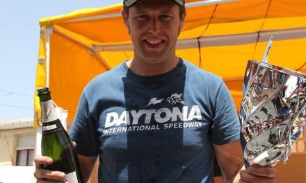 Los aficionados eligen la octava curva del Circuit para homenajear a Bernat Martínez