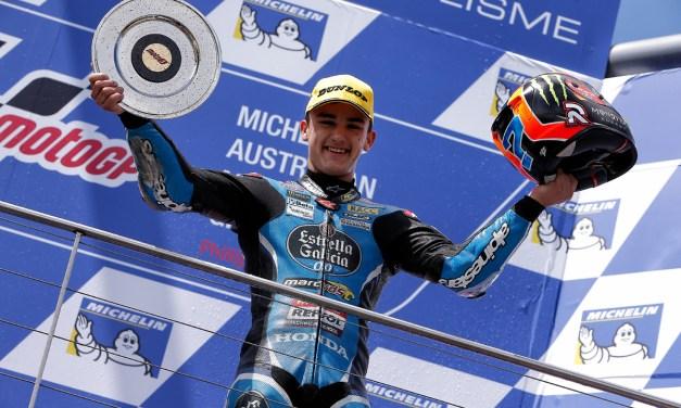 Arón Canet, tercero, logra su primer podio en una accidentada carrera