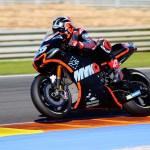Viñales debuta en Yamaha con el mejor tiempo en el Ricardo Tormo