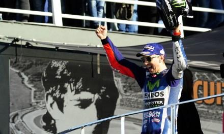 Doblete para Lorenzo: Campeón en el ValenciaGP y en Internet