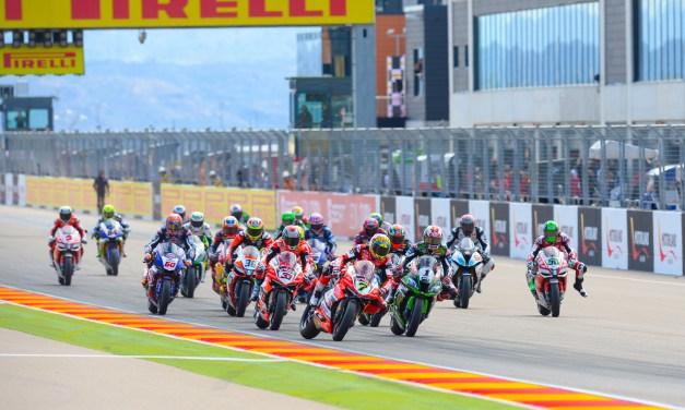 Gran ambiente en MotorLand con victoria para Rea en la primera carrera de Superbikes