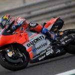 Dovizioso domina los primeros entrenamientos de MotoGP en Qatar, Lorenzo cuarto.
