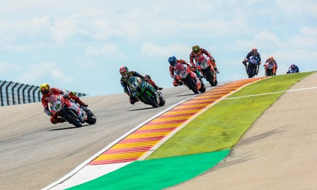 El espectáculo de las Superbikes cautiva en MotorLand con victorias para Rea y Davies