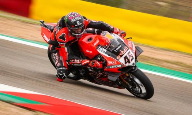 El Campeonato Mundial de Motul FIM World Superbike nos deja pódiums sorprendentes, nuevos favoritos y mucho roce en pista.